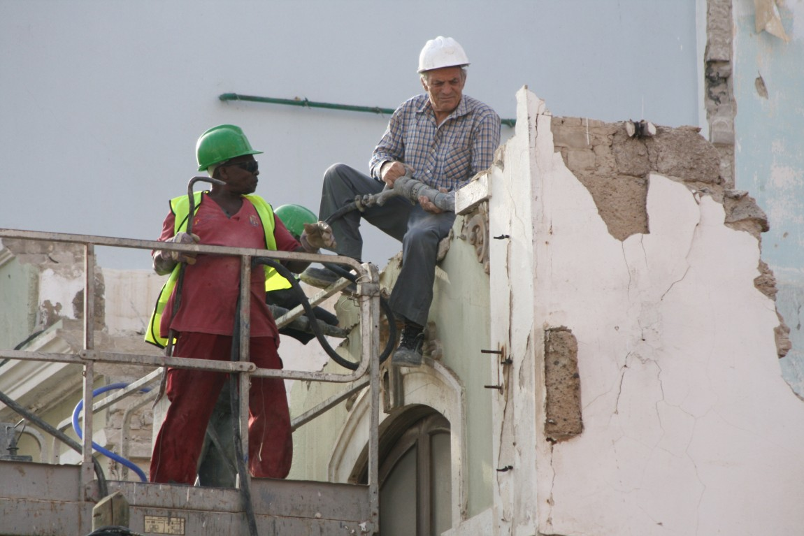 Building Remodeling and Repairing Services